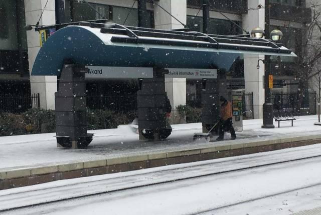 akard-snowshovel