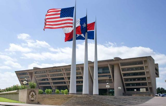 Dallas-City-Hall-with-flags