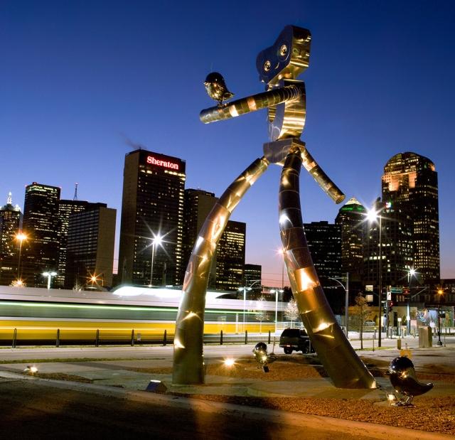 Traveling-Man-night-LRT