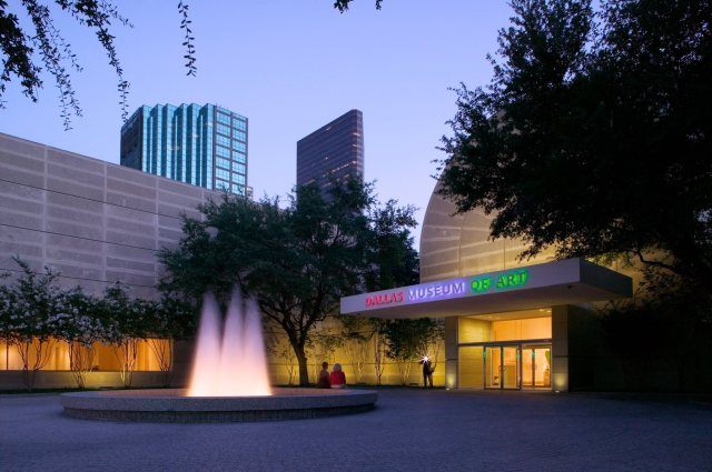 The Dallas Museum of Art Flora Entrance