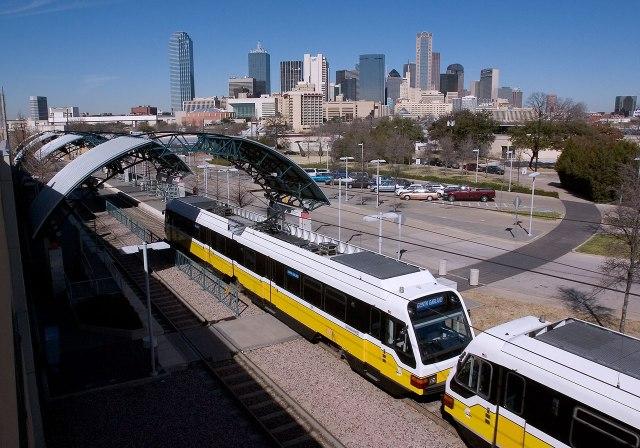Cedars-station-lrt-Dallas-skyline-3