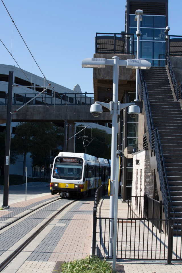 Las colinas urban center station